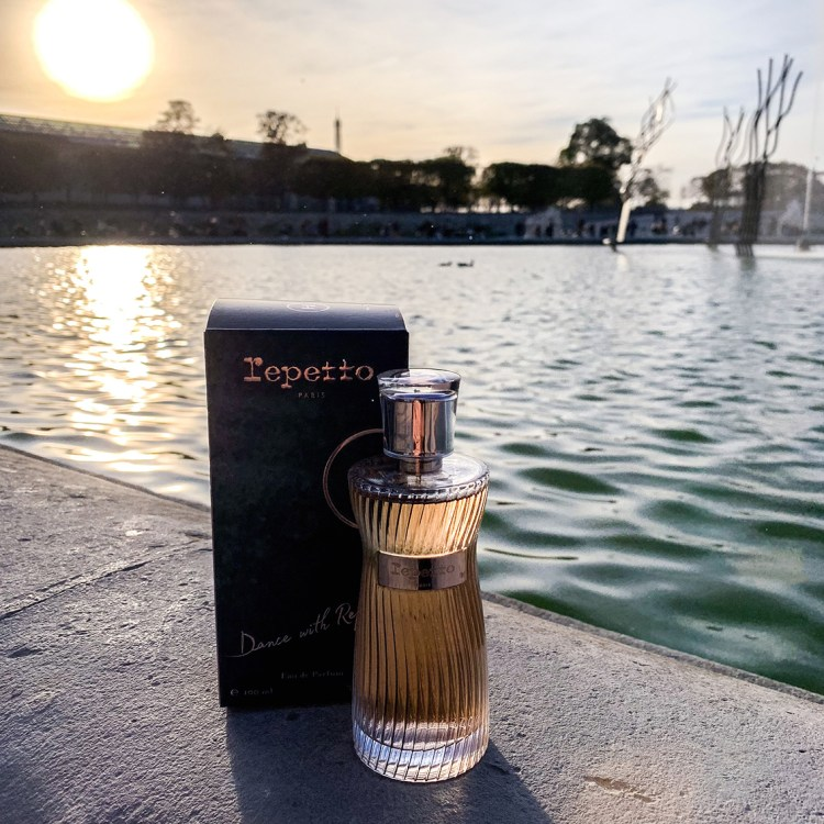 Mon avis sur l'eau de parfum Dance With Repetto blog dans mon sac de fille
