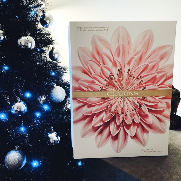 En attendant Noël... Découvrez mon magnifique calendrier de l'avent Clarins avis blog