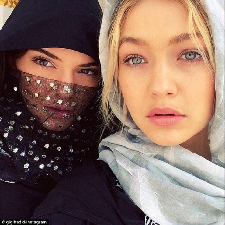 A faire absolument à Dubaï et à Abu Dhabi visiter la grande mosquée Sheikh Zayed blog avis Gigi Hadid Kendall Jenner abaya
