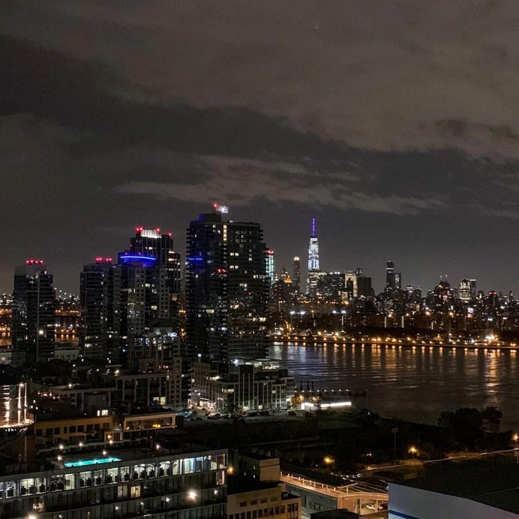 séjour hôtel William Vale Brooklyn avis blog photos chambre vue nuit manhattan east river