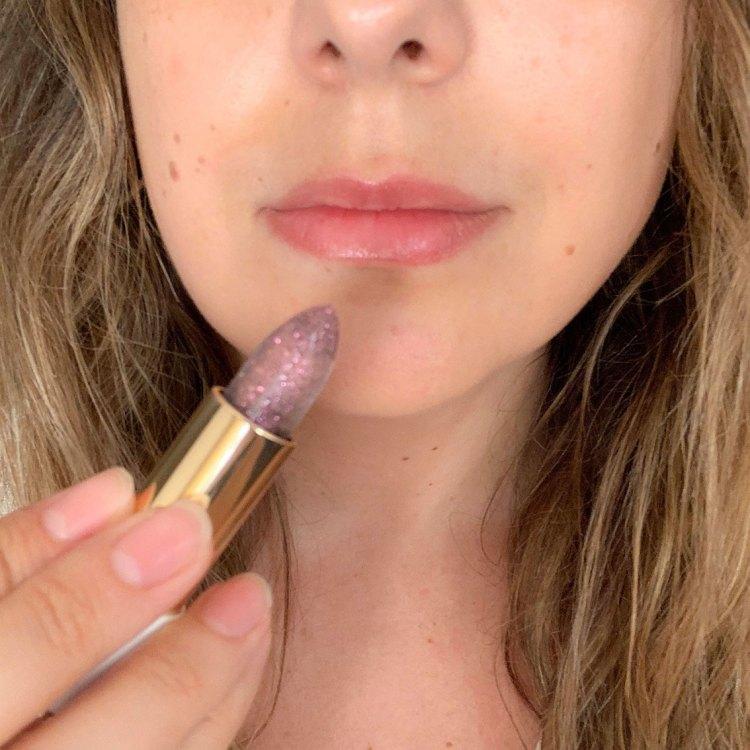 Café Bônheur mon avis sur la collection maquillage 100% parisienne de Lancôme blog swatch rouge a levres l'Absolu Rouge 130 Merci beaucoup