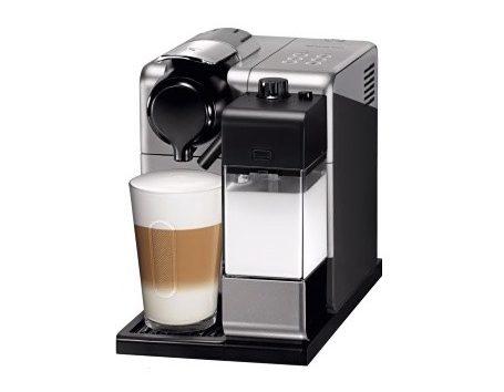 Wishlist annniversaire pour mes 35 ans cadeaux blog Machine à café Nespresso Delonghi Lattissima Touch 2 Noir