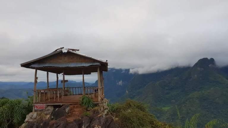 Petite cabane en haut de la montagne !