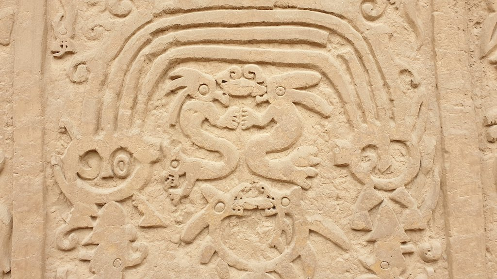 Huaca Arco Isis o Dragon
