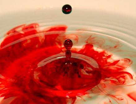 comment nettoyer et enlever des taches de sang dans notre maison. Black Bedroom Furniture Sets. Home Design Ideas