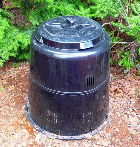 fabriquer un bac composteur au jardin pour du compost. Black Bedroom Furniture Sets. Home Design Ideas