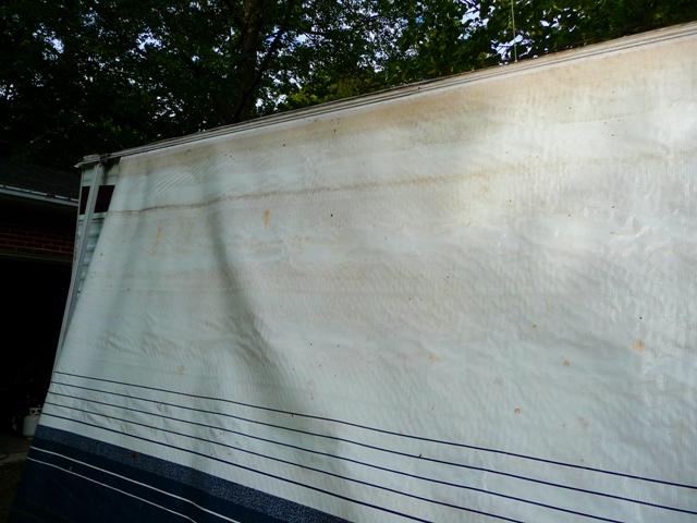 laver et nettoyer les taches d 39 un auvent de caravane roulotte ou vr dans notre maison. Black Bedroom Furniture Sets. Home Design Ideas