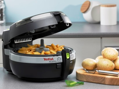 Des frites sans huile avec la friteuse actifry de t fal - Frites pour friteuse au four ...