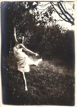 frantisek-drtikol2-stusy-dance-1920-via-mutualart