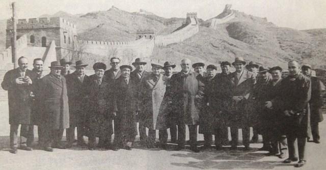 Nicolae Ceausescu la Marele Zid - Badaling