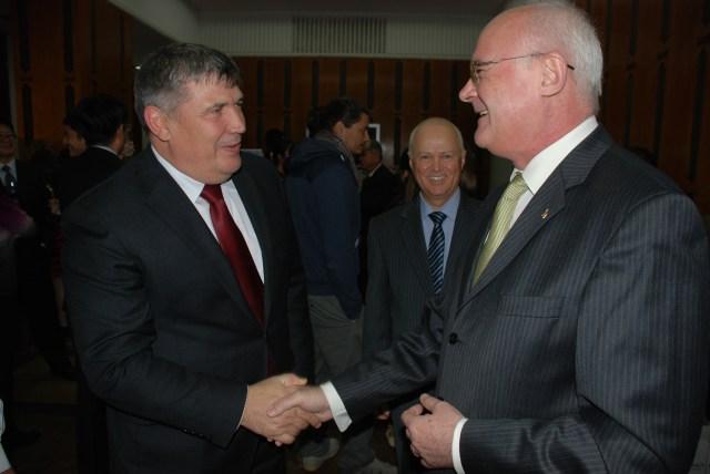 Ambasadorul Romaniei in RP Chineza, Doru-Romulus Costea, Ambasadorul R MOldova in RP Chineza, Anatol Urecheanu, Beijing 2014