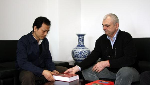 Gabriel Ghelmegeanu, vizita la Radio China International 2011