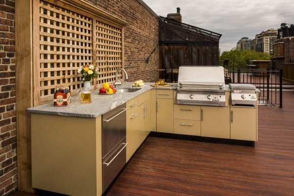 l shaped outdoor kitchen L-Shaped Outdoor Kitchen Design Inspiration | Danver