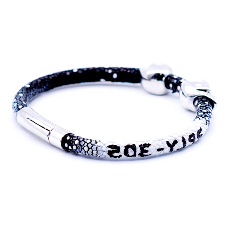 Black stingray bracelet with Silver Skull for man 10/10 size 21.5cm (DB305)