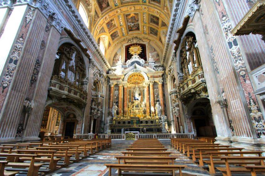 La Chiesa del Gesu Nuovo een van de bezienswaardigheden in Napels