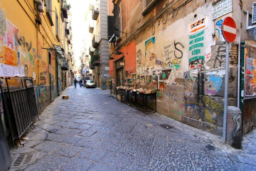 Straten vol kleurrijke graffiti in Napels een van de leuke bezienswaardigheden