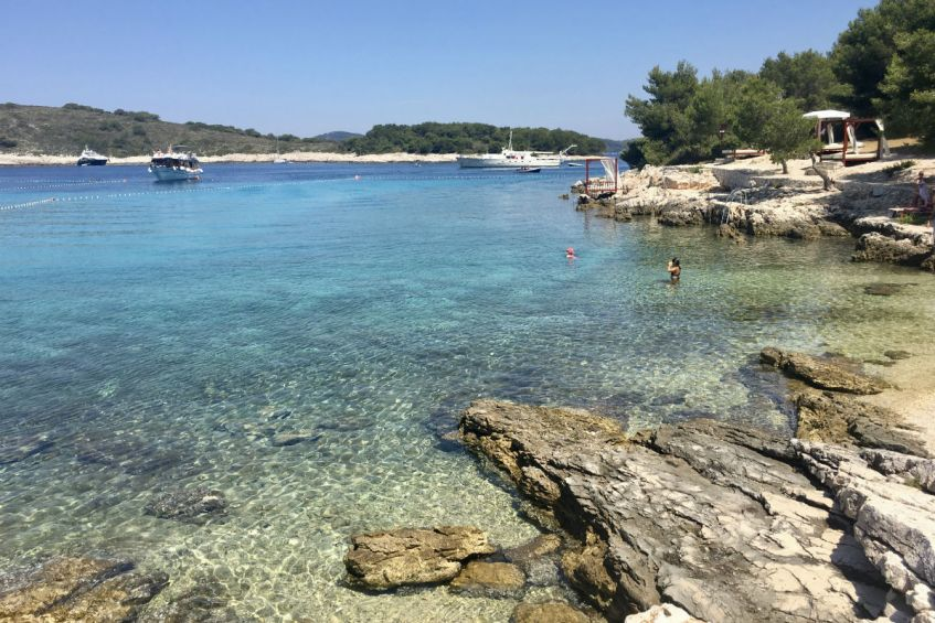 Mlini Pakleni Eilanden vlakbij Hvar in Dalmatie Kroatie