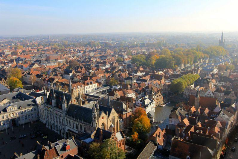 Brugge vanaf het Belfort Bezienswaardigheden tijdens een weekend brugge
