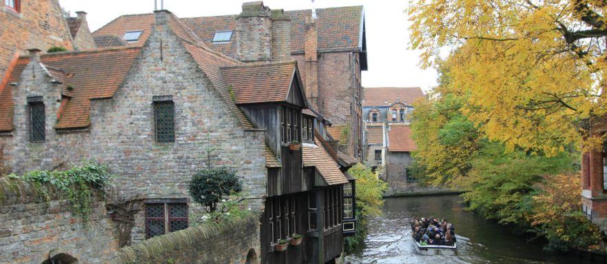 Ontdek Brugge vanaf het water tijdens een weekend Brugge