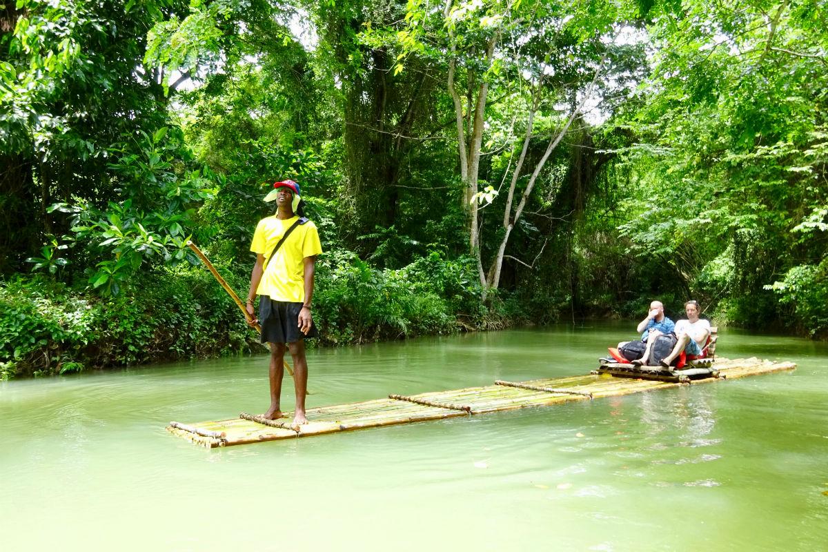 Jamaica is prachtig groen en leent zich goed voor een mooie roadtrip