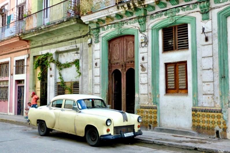Het straatbeeld van Havanna is erg bekend en zul je zeker aantreffen tijdens je mooie roadtrip