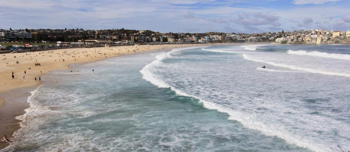 Het iconische Bondi Beach mag je niet missen en is een van de mooiste stranden in Sydney