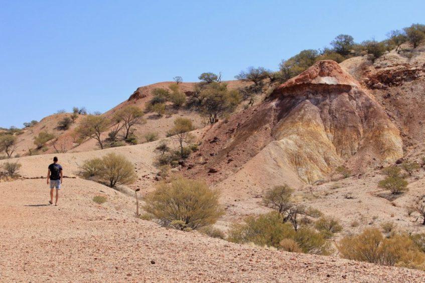 The kleuren van de Painted Desert aan de Oodnadatta Track zijn magisch