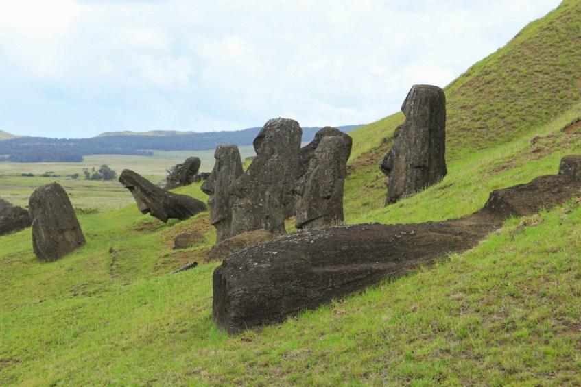 De Nursery, Ranu Raraku dat is waar de moai verder vervaardigd. Absoluut een bezoekje brengen op Paaseiland