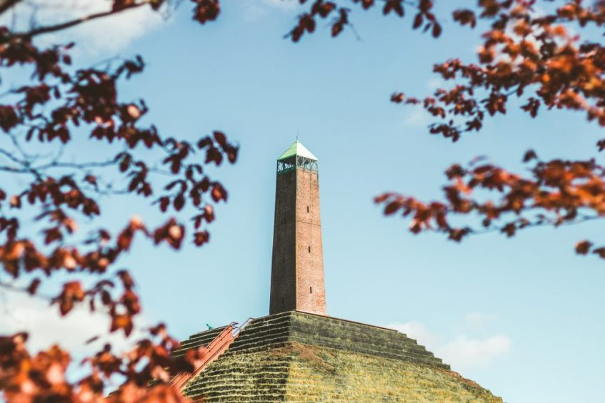 De Piramide van Austerlitz hoort op jouw Nederland bucketlist
