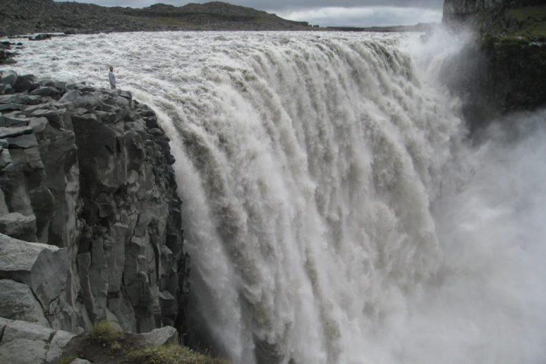 De Dettifoss in IJsland is een van de krachtigste watervallen ter wereld