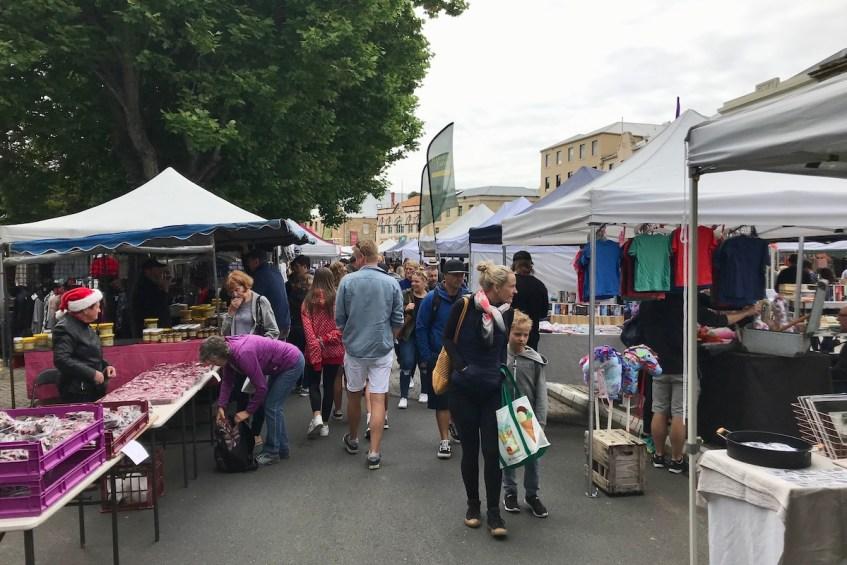 Wat te doen in Hobart? Bezoek de Salamanca Market een van de bezienswaardigheden in Hobart Tasmanie