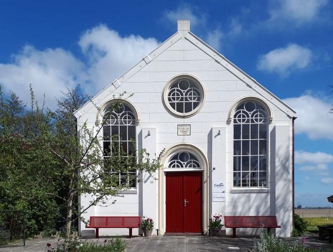 Bijzonder overnachten in Groningen? Verblijf in dit kerkje in Zijldijk op het Groningse platteland