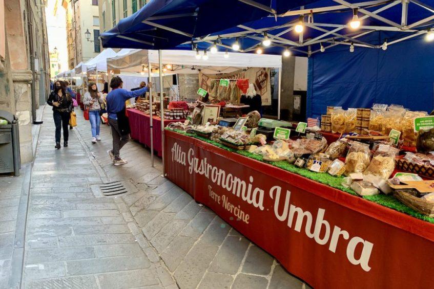 Italiaanse Bloemenrivièra: Chiavari is een heel mooi dorpje aan de Riviera di Levante