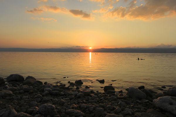 Zonsondergang bij de Dode Zee
