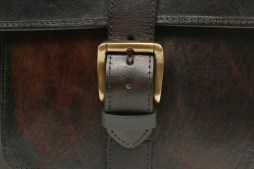 Stefano Closeup Buckle2