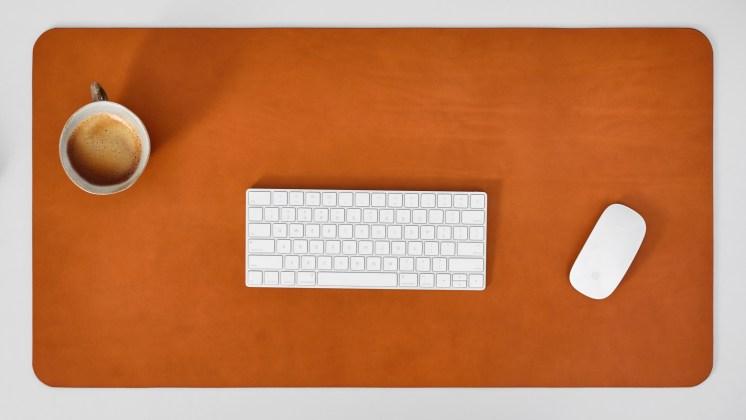 leather-desk-mat-cognac-3