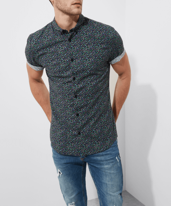 screencapture-riverisland-p-blue-floral-muscle-fit-short-sleeve-shirt-303825-1509877969701
