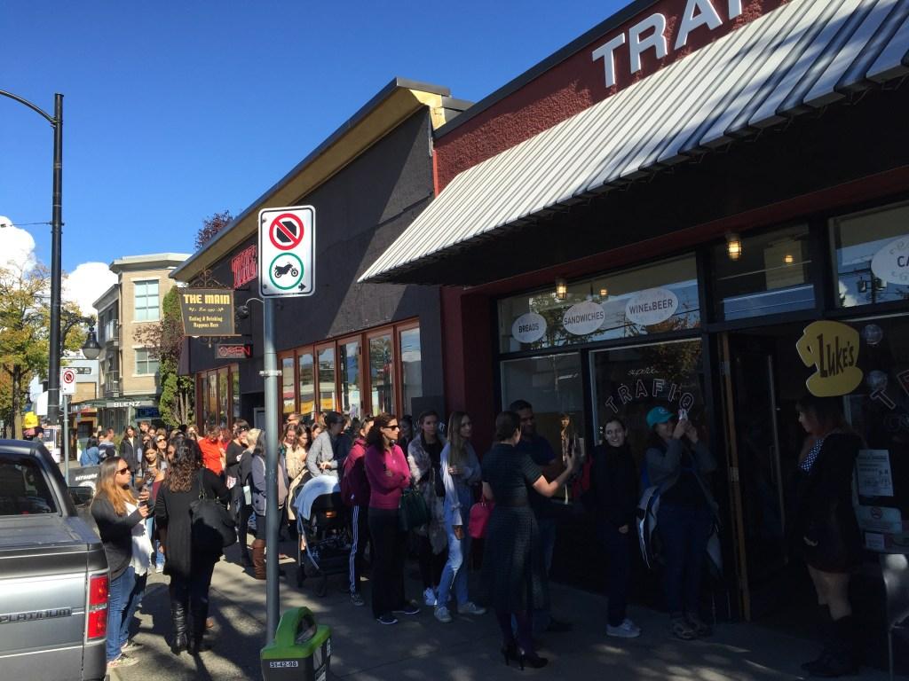 Line outside of Trafiq Cafe & Bakery for Luke's Diner