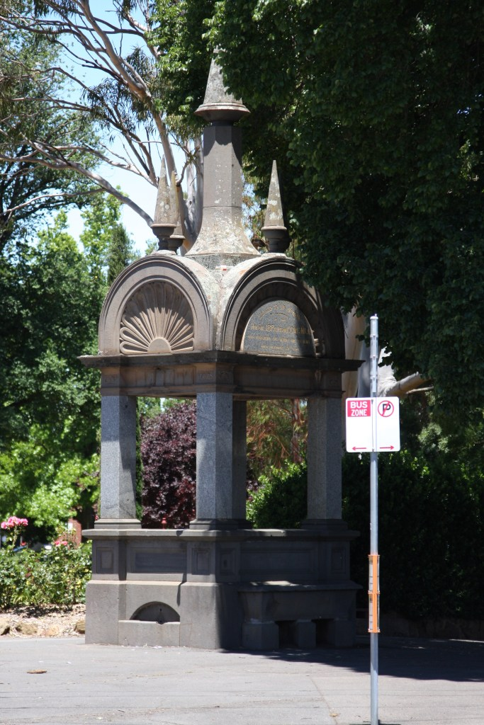 statue thingy in Castlemaine