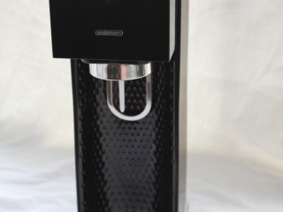 The SodaStream Source machine