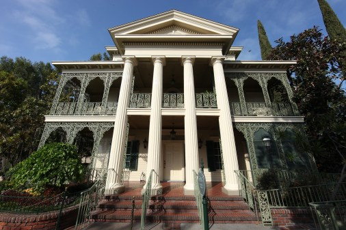 Haunted-Mansion-5_12_DL_9074