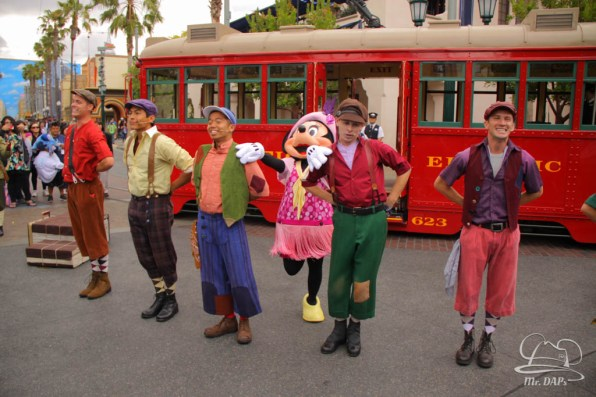 Minnie Mouse Joins Mickey Mouse in Red Car Trolley News Boys-11