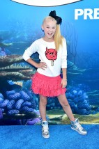 HOLLYWOOD, CA - JUNE 08: Tv personality JoJo Siwa attends The World Premiere of Disney-Pixar's FINDING DORY on Wednesday, June 8, 2016 in Hollywood, California. (Photo by Alberto E. Rodriguez/Getty Images for Disney) *** Local Caption *** JoJo Siwa