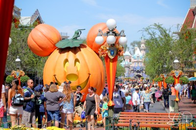 halloween-time-at-the-disneyland-resort-4