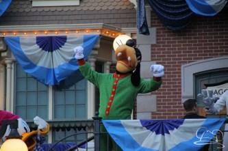 Mr. DAPs Covers Disneyland's Diamond Celebration-51