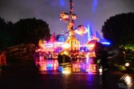 DisneylandCaliforniaAdventureRain 5