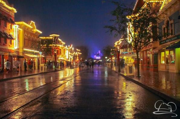 DisneylandResortRainyDay-143