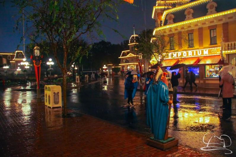 DisneylandResortRainyDay-144