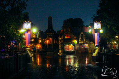 DisneylandResortRainyDay-187