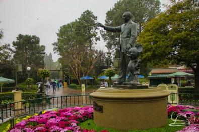 DisneylandResortRainyDay-19